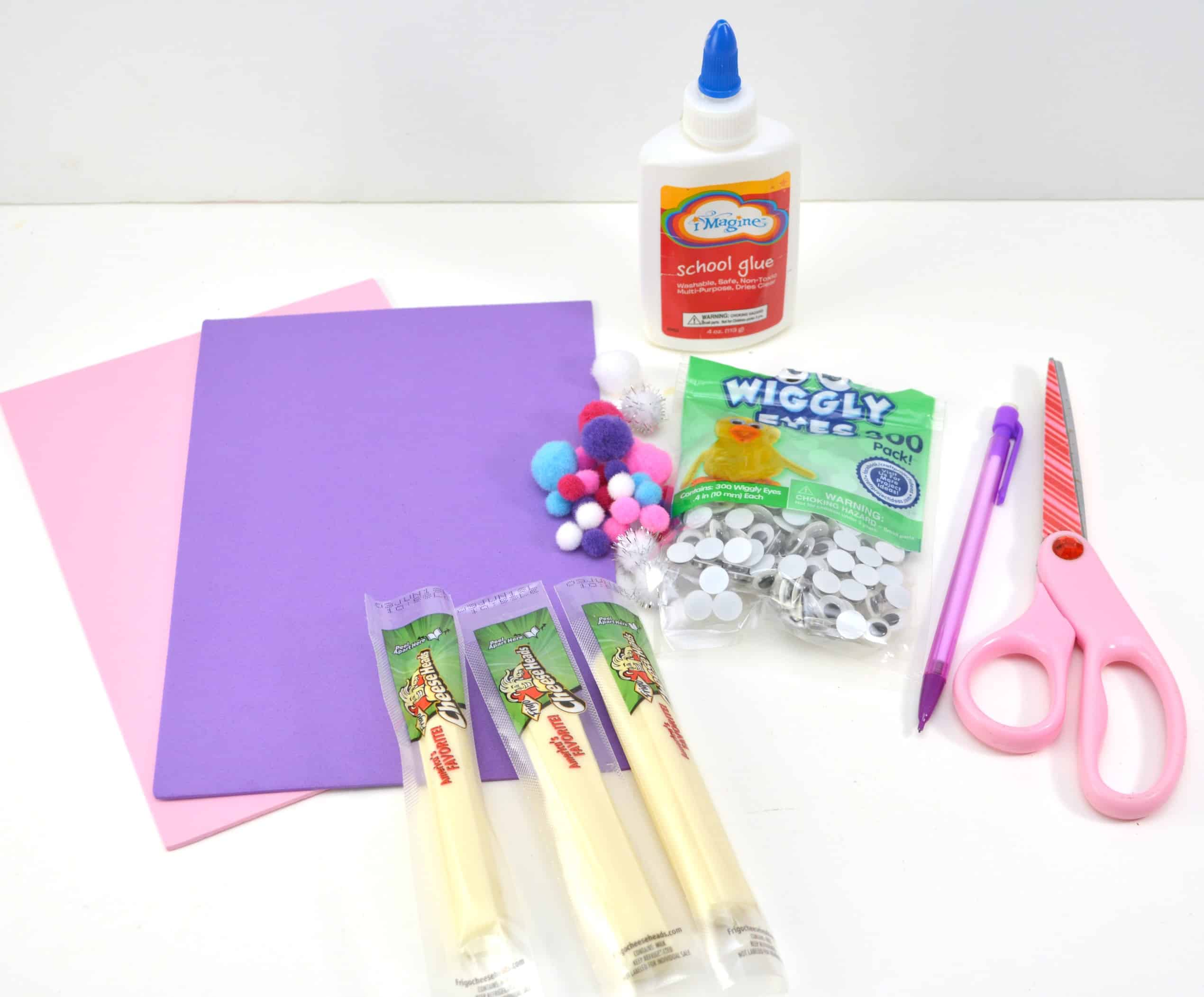 Easter is identical with bunnies and eggs. Today I would like to share Easter Bunny Cheese sticksfor your little people's craft activities.